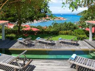 Hillside Angelina on 6 acre estate boasts spectacular sunset views & walk to beach - Gustavia vacation rentals