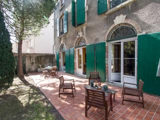 Maison Juliette: luxury 4BR in Carcassonne center - Languedoc-Roussillon vacation rentals