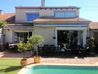 3-Bedroom House with Pool - Marseille vacation rentals