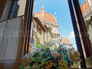 Cozy Apartment with a Unique View of the Duomo - Florence vacation rentals