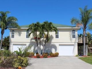 Hidden Treasure is your North End Vacation Dream Home -  Hidden Treasure - Fort Myers Beach vacation rentals