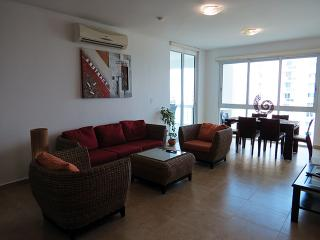 F4-7C  Luxury 2 bedroom 7th floor condo - Panama vacation rentals