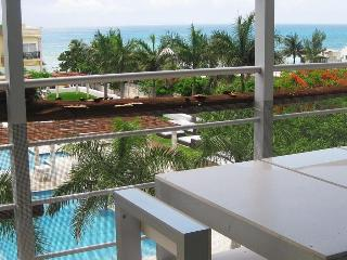 Gorgeous Penthouse Right Downtown! 50% DISCOUNT!!! - Playa del Carmen vacation rentals