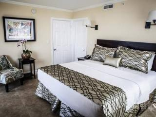 Mutiny Condo Hotel **SUMMER PROMOTION** - Miami vacation rentals