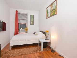 *Clean & Quiet Room @ Manhattan 15 MINS to Time SQ - New York City vacation rentals