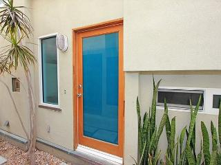 Great 3 Story Condo, 5th House from Beach! Ocean Views! (68229) - Newport Beach vacation rentals