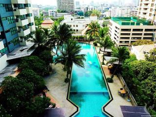 StylishStudio Inside CBD(Sathon/Silom)&Embassy row - Bangkok vacation rentals