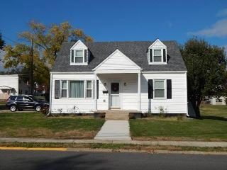 E & L's In Town Cottage Rental in Luray, Virginia - Luray vacation rentals