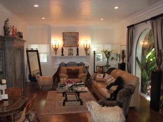 HUGE 2000 sqft / 200 sq m Beverly Hills . Walk to Rodeo Drive !!! - Beverly Hills vacation rentals