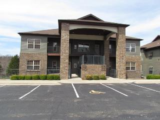 The Golf Retreat-3 bedroom, 3 bath condo located at Stonebridge Resort - Branson vacation rentals
