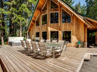 Jordan Lodge Riverfront Leavenworth - 5 Bedrooms - Leavenworth vacation rentals