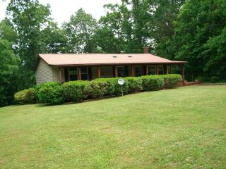 1500 sq ft home sitting on 5 beautiful, private acres and close to everything! - Crossville vacation rentals