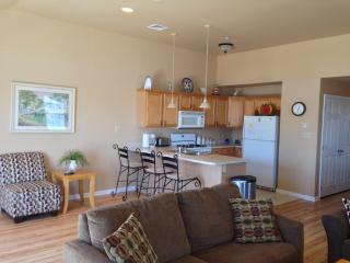 Clean Wildwood Condo. Short walk to  activities - Wildwood vacation rentals