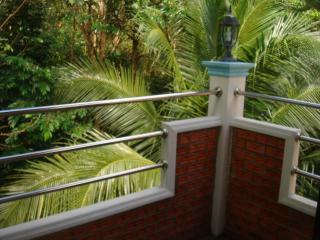 HOUSE 2 BEDROOM UPHILL - Patong vacation rentals