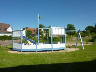 Vacation Apartment in Rerik - 753 sqft, high-quality, large, ideal (# 5260) - Mecklenburg-West Pomerania vacation rentals