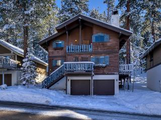 Classic ski retreat short distance from Heavenly lifts - Tahoe Chalet - Mountain Village vacation rentals