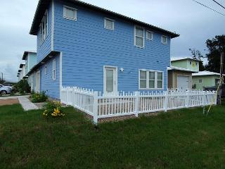 Newly constructed 4 bedroom 2.5 bath in the heart of Port Aransas! - Port Aransas vacation rentals