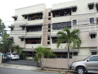 Excellent location in Santo Domingo City - Santo Domingo vacation rentals