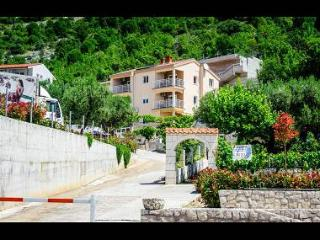 35246  A1(2+3) - Duba - Supetar vacation rentals