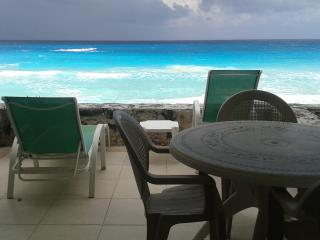 Beach Front Studio with Kitchentte - Cancun vacation rentals
