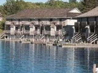 Mariner's Pointe Resort Private Beach and lake Nov.29- Dec. 6th, Only $199 for entire week's stay!! - Crossville vacation rentals