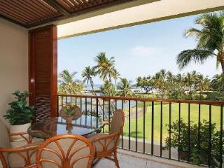 Completely renovated Mauni Lani Terrace A302 gives access to heated pool, hot tub, sauna and beach - Kohala Coast vacation rentals