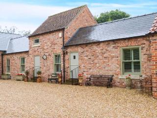 THE GRANGE, ground floor accommodation, lawned garden with furniture, private coded entrance, great base for walking, near Linco - Lincoln vacation rentals