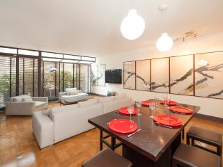 Brand new  apt/house near Louvre/Hotel de Ville - Paris vacation rentals