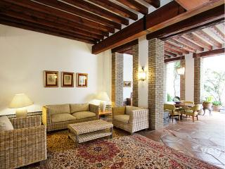 Monsalves. Stately house for 10 in 5 bedrooms - Seville vacation rentals