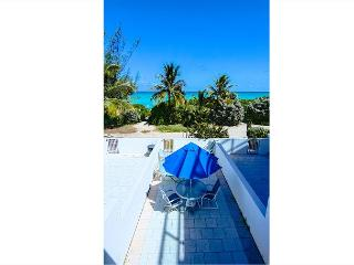 Gorgeous Townhouse RIGHT ON THE BEACH - Miami Beach vacation rentals