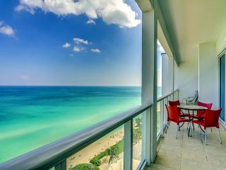 Penthouse 3BR/2BA with BALCONY - Miami Beach vacation rentals