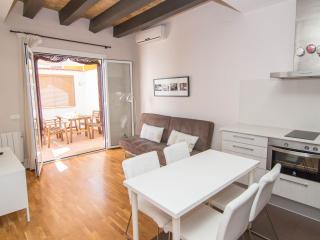 HABANA Adorable apartment in the center - Catalonia vacation rentals