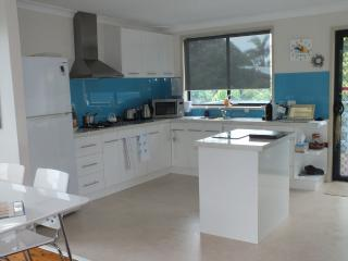 Hank's at Mollymook - Pet friendly house - Mollymook vacation rentals