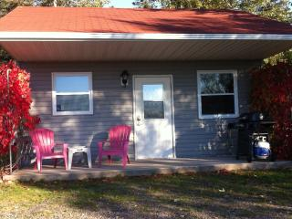 Accessible 2 Bedroom on the Bay of Fundy - Otter - Southwest Nova Scotia vacation rentals