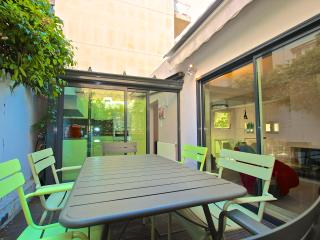 Paris Trocadero -  house with terrace - London vacation rentals