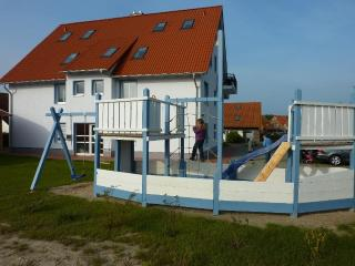 Vacation Apartment in Rerik - 753 sqft, high-quality, large, ideal (# 5259) - Rerik vacation rentals
