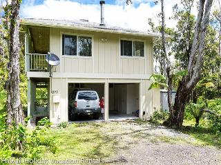 Seclusion and Serenity Near Volcano (Kahu 'Io) - Volcano vacation rentals