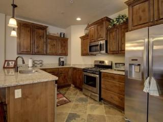White Bear A7 (conveniently located to the lifts) - Brian Head vacation rentals