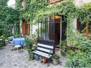 Charming house with garden in Paris / Montreuil - Montreuil vacation rentals