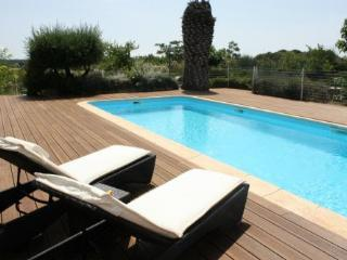 Mas de Thau - Syrah (coming soon) - Family friendly gite for 4 guests with activity package - Herault vacation rentals