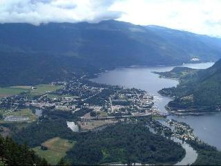 Luxury Waterfront Condo Gem of the Shuswaps - Sicamous vacation rentals