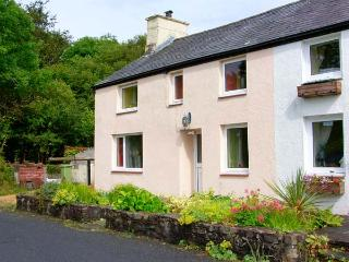 GORWEL, welcoming cottage, with Rayburn, Jacuzzibath, walks from the door, countryside setting, in Aberaeron, Ref 15563 - Ceredigion vacation rentals