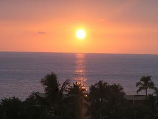 Fabulous Oceanview 3 Bedroom Townhome Near Beach and Shopping! A/C Included! - Kailua-Kona vacation rentals