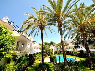 Modern refurbished apt close to Puerto Banus - Nueva Andalucia vacation rentals