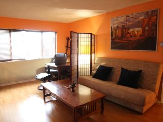 West Holly, Hollywood Apartment - Los Angeles County vacation rentals