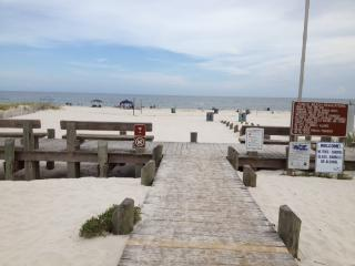 Walk to beach and Lagoon! Pool and Pier too! - Gulf Shores vacation rentals