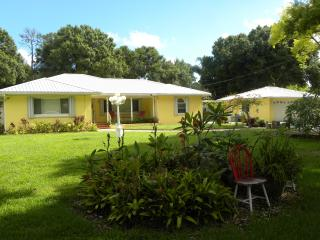SHARED Cottage Home 3 bedrooms/3 bathrooms - Seminole vacation rentals