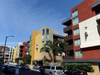 Rubix Hollywood 4 - Los Angeles vacation rentals