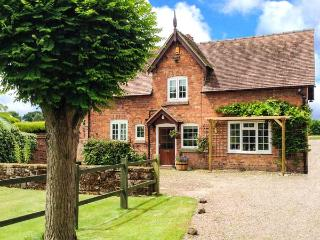 STABLE COTTAGE, family friendly, character holiday cottage, with a garden in Tilston, Ref 5480 - Cheshire vacation rentals
