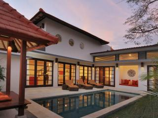 Seminyak Stylish Villa (4) - Kuta vacation rentals